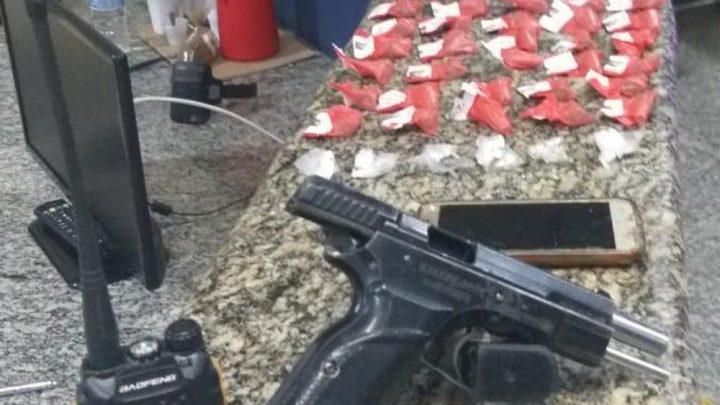 Homem morre após troca de tiros com policiais em Arraial do Cabo, no RJ
