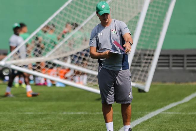 Fluminense descarta a demissão de Diniz