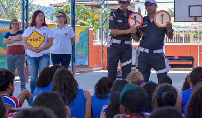 Alunos da EM Cônego Batalha participam de ação sobre educação no trânsito