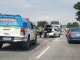 Acidente envolve quatro veículos e complica o trânsito na RJ-106