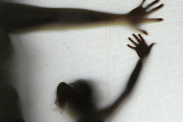 Avô, tio e pai são presos por estuprar menina de 11 anos