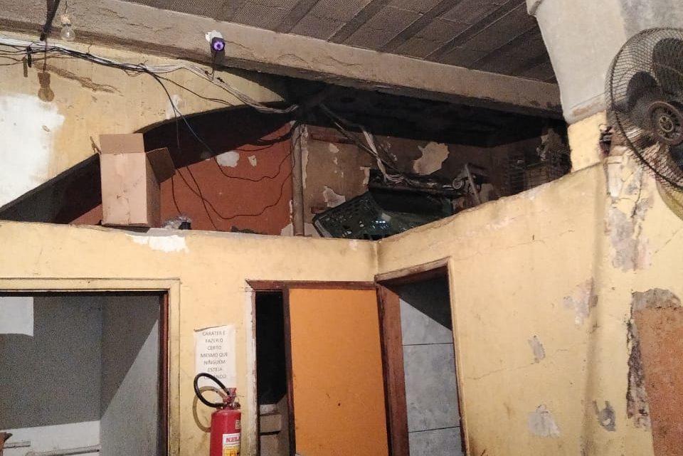 Vigilância Sanitária interdita supermercado em Marechal Hermes por falta de higiene