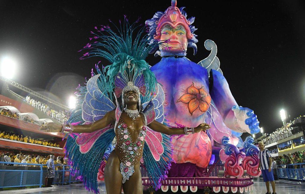 Unidos da Ponte, Porto da Pedra e Cubango se destacam no 1º dia de desfiles da Série A no Rio