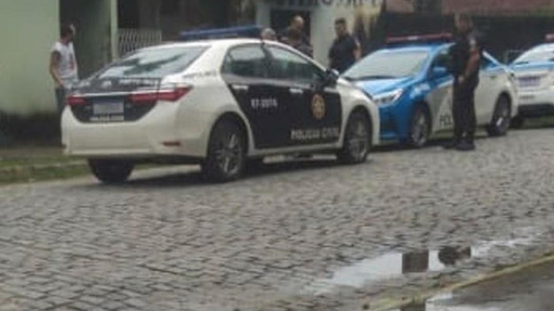 Homem confessa que matou a mãe  com golpe de facão em Casimiro de Abreu – RJ