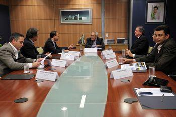 Investimentos foram anunciados em reunião com ministro Gastão Vieira em Brasília.