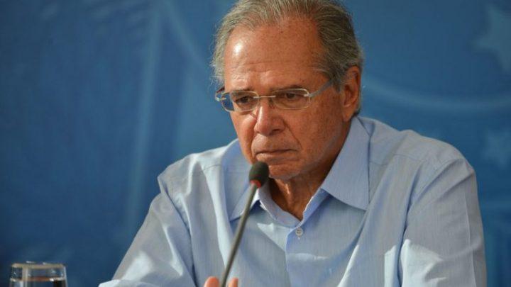 Guedes diz que auxílio pode ser prorrogado por mais três meses, mas com valor de R$ 200