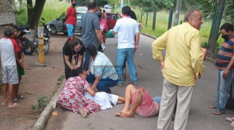 Acidente de moto deixa duas pessoas gravemente ferida em Itaipuaçu