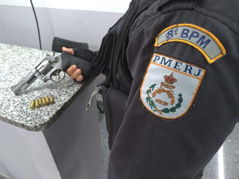 Dois suspeitos são presos com quase quatro mil pinos de cocaína em Campos dos Goytacazes