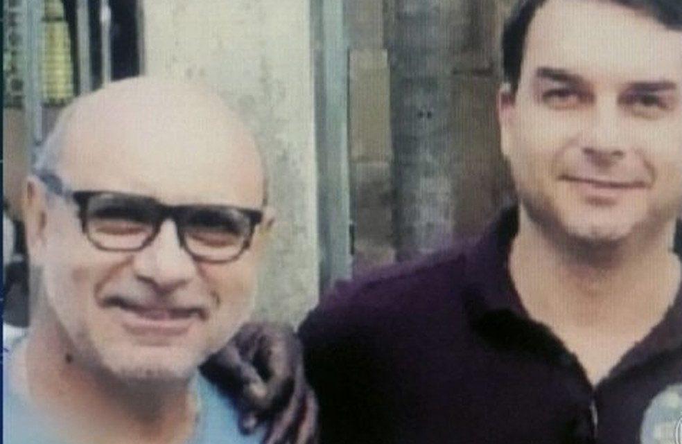 Queiroz, ex-assessor de Flávio Bolsonaro, é preso em SP