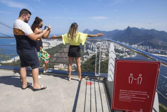 Reabertura leva centenas de pessoas a pontos turísticos do Rio