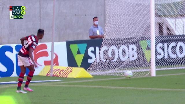 """Bruno Henrique descarta problema com Gabigol no Flamengo e admite falha em gol perdido: """"Assumo o erro"""""""