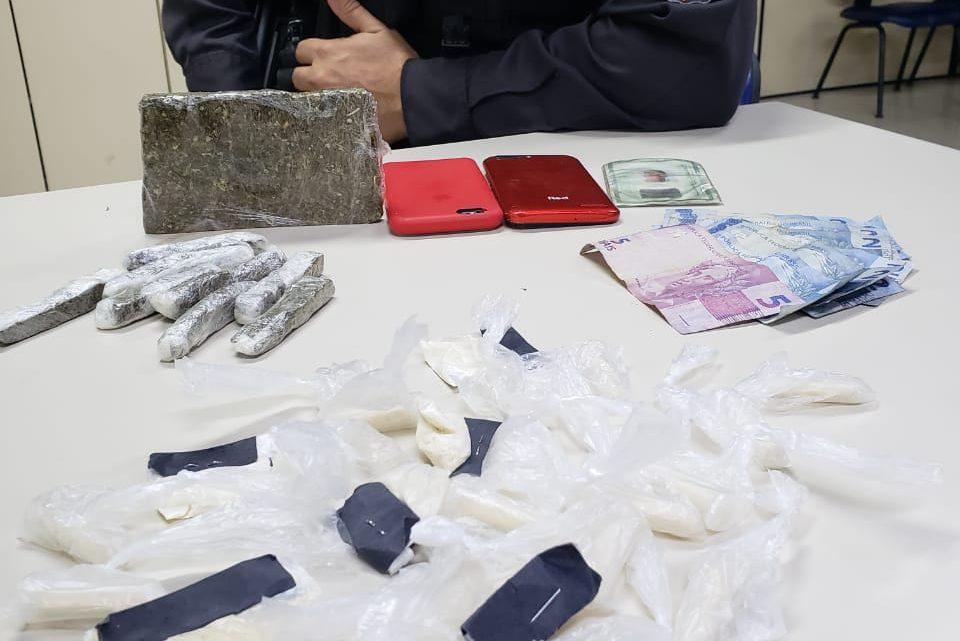 Presos por tráfico de drogas em Ubatiba, Maricá