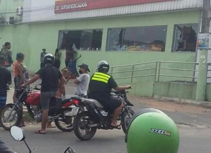 Supermercado é saqueado em São Gonçalo