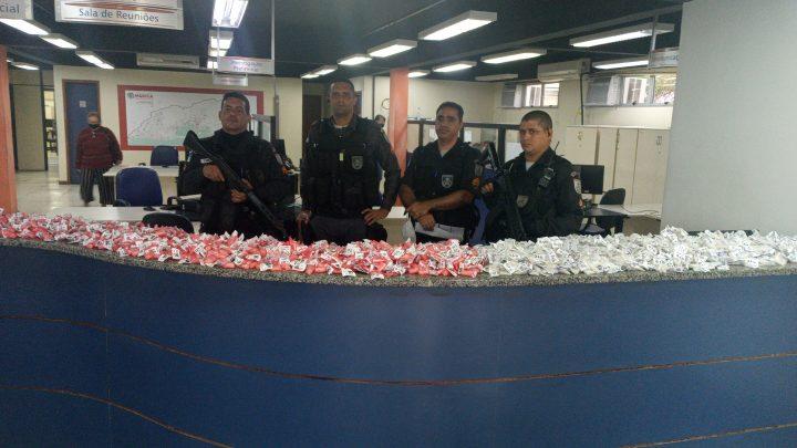 Polícia apreende drogas em MCMV de Itaipuaçu em Maricá