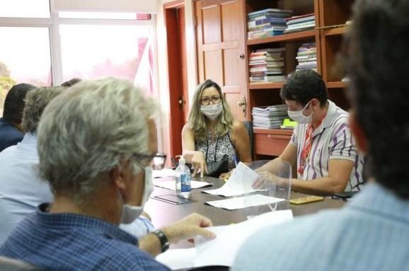 Convênio para beneficiar 1,8 mil famílias em Maricá-RJ