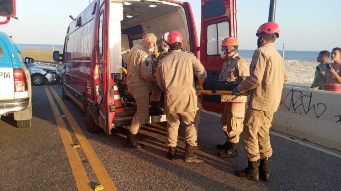Acidente deixa três pessoas feridos na ponte da Barra em Maricá