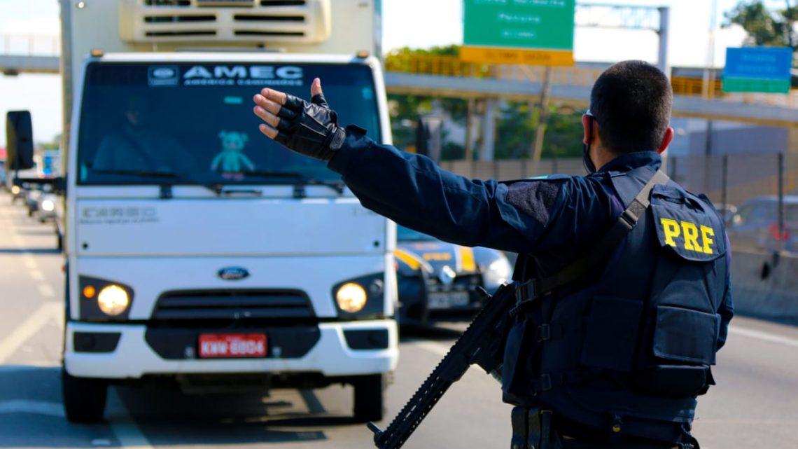 PRF reforça o policiamento durante o feriado nas rodovias federais do RJ