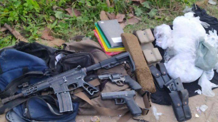 Troca de tiros termina com policial baleado e suspeitos mortos em Itaboraí-RJ