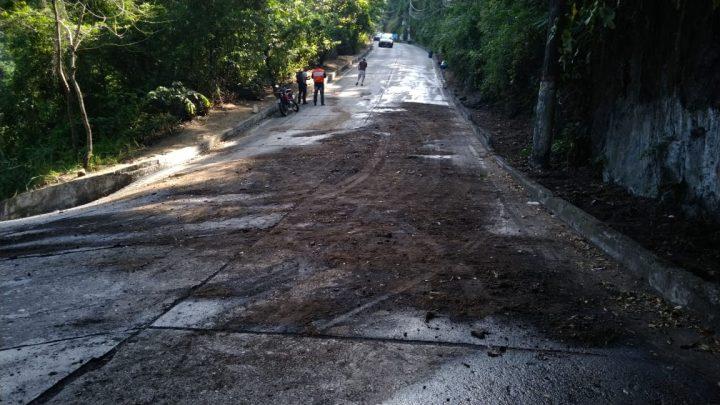 Trecho da serrinha fica interditado após derramamento de óleo em Maricá-RJ