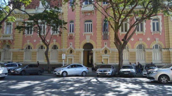 Acusado de violência doméstica e transmitir HIV para companheira é preso em Niterói-RJ
