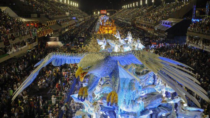 No Rio, escolas de samba do grupo especial podem desfilar em julho de 2021