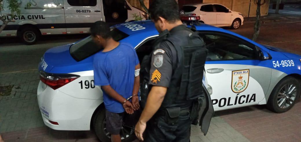 Preso após furto de veículo e acidente em Maricá-RJ