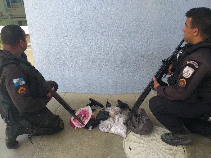 Troca de tiros termina com dois mortos na RJ-106, em São Gonçalo-RJ