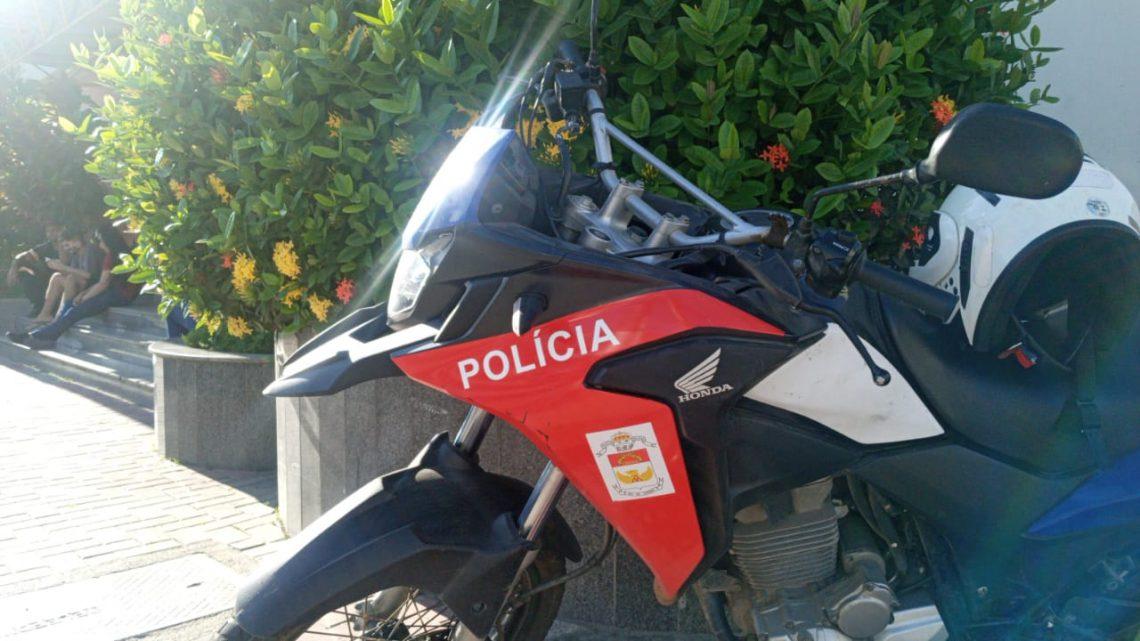 Dois homens são detido sem capacete em Maricá-RJ