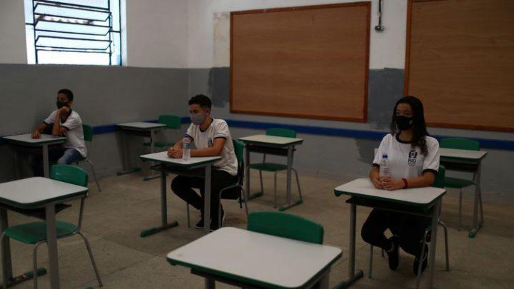 RJ: Segunda fase das aulas presenciais é adiada.