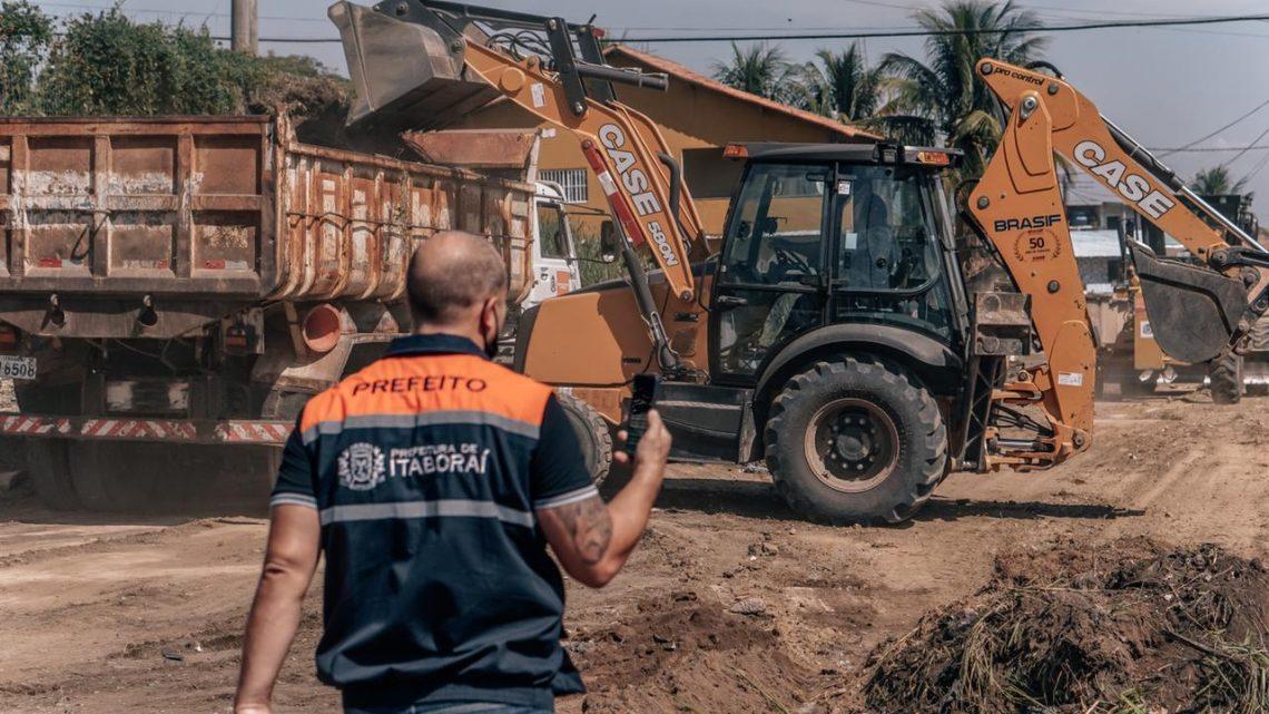 Moradores de Santo Antônio são surpreendidos com mutirão de serviços da Prefeitura de Itaboraí