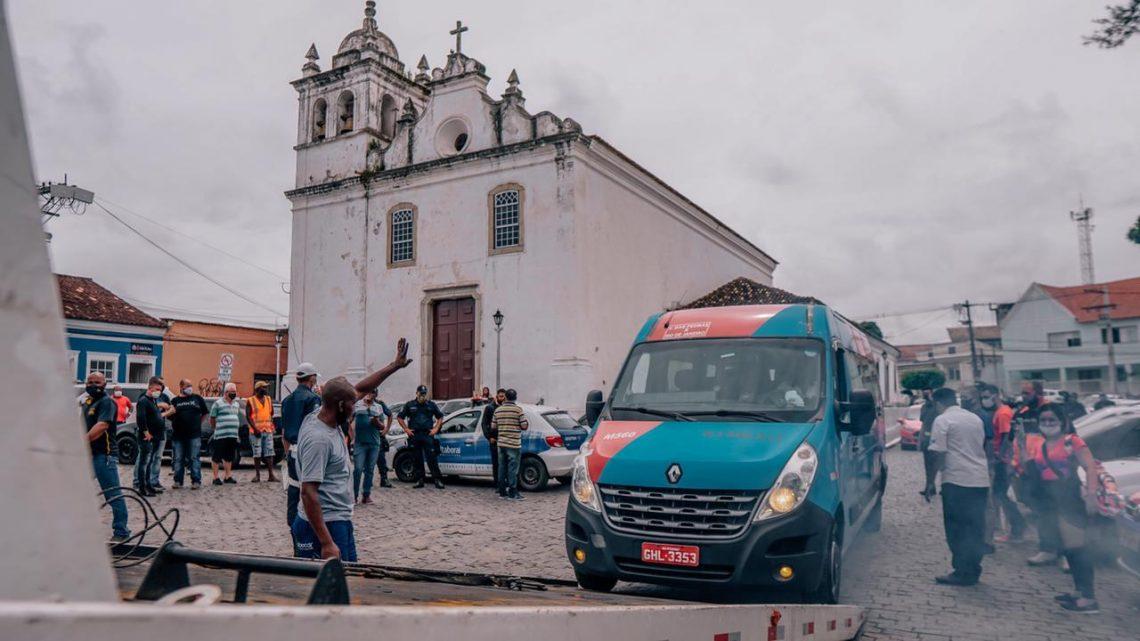Itaboraí: Prefeito Marcelo Delaroli exige cumprimento do decreto municipal e Detro paralisa operação que era feita nas vans da cidade