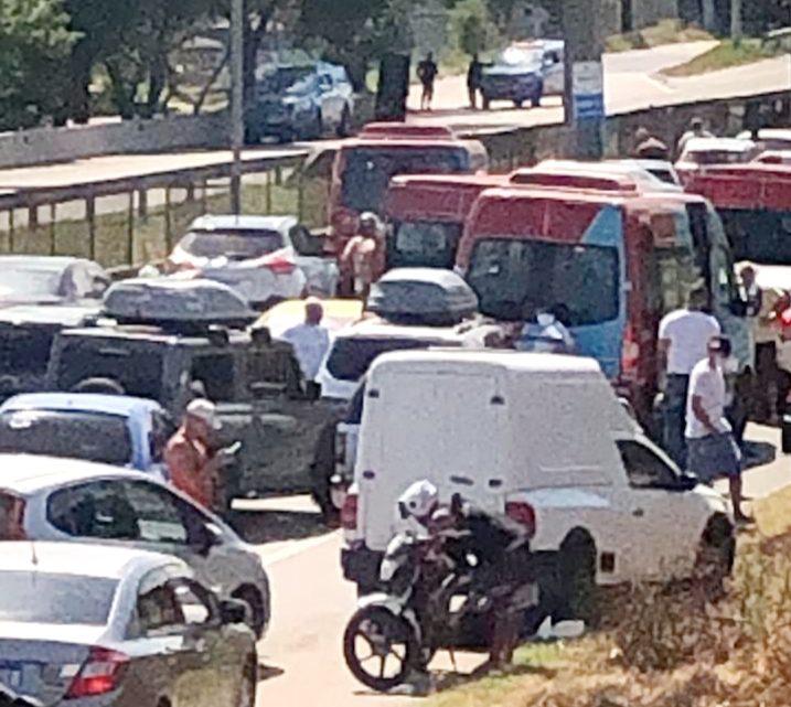 Troca de tiros interdita BR-101, em São Gonçalo