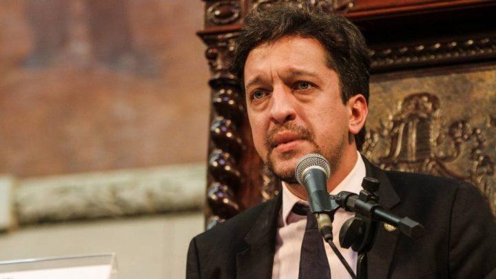 Deputado Estadual Gustavo Schmidt (PSL) é acusado de agredir um PM em Maricá