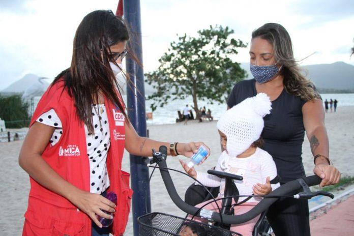 Avanço da pandemia entre jovens gera mobilização por cumprimento de medidas
