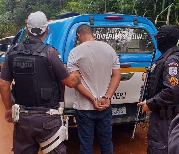 Perseguição policial e troca de tiros Termina com um preso em Saquarema