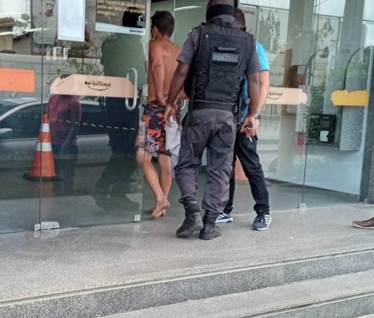 Homem é preso após agredir a própria campanheira em Maricá