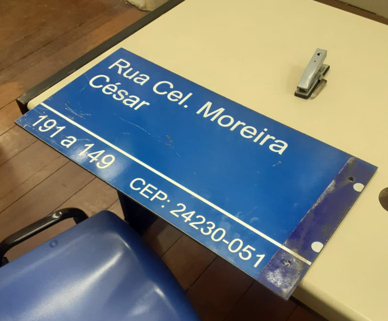 Placa de rua que seria para homenagear Paulo Gustavo é furtada em Niteroi