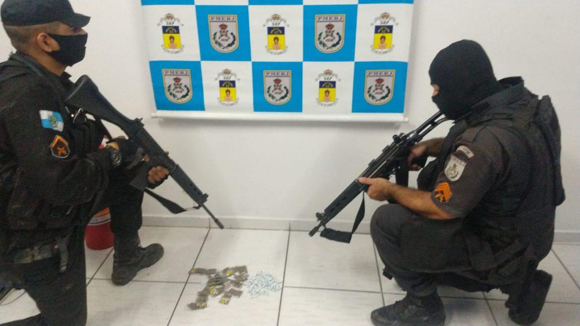Após troca de tiros PATAMO prende dois traficantes na comunidade do Cocadinha região central de Maricá.