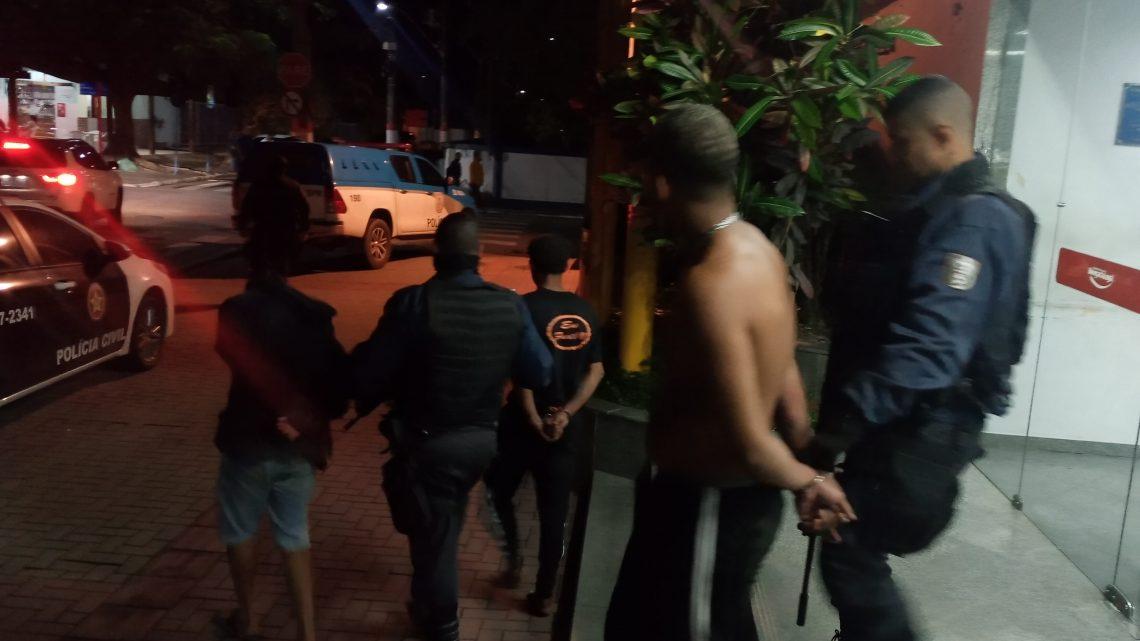 Três homens foram presos com armas e granada em Maricá