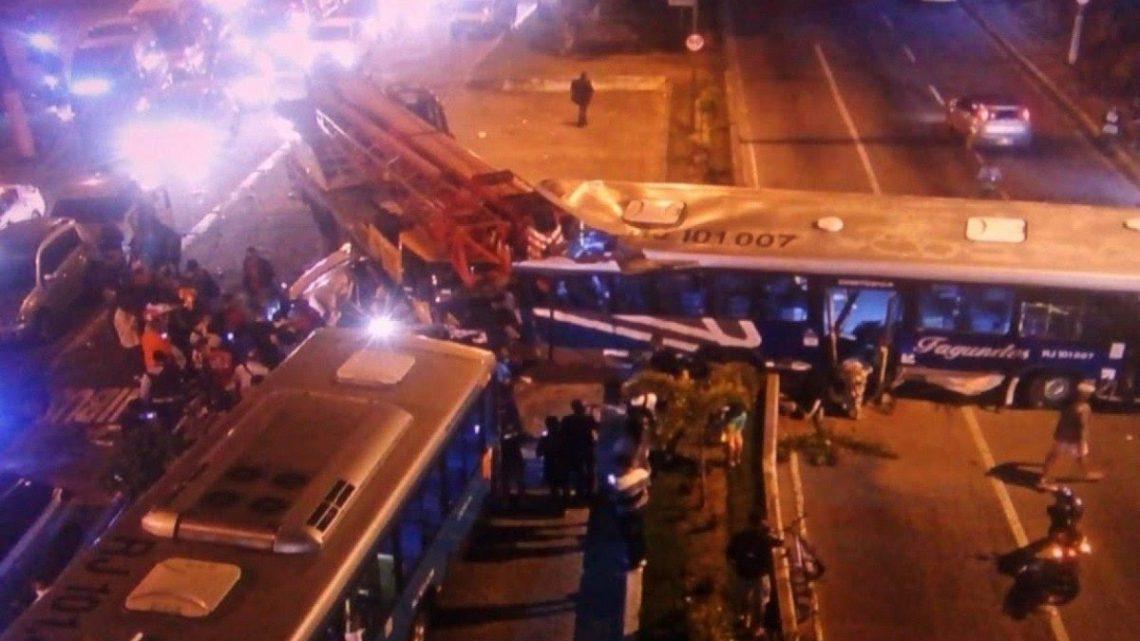 Acidente grave na Alameda São Boaventura deixa um morto em Niterói