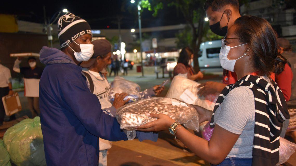 Maricá Solidário arrecada agasalhos e cobertores