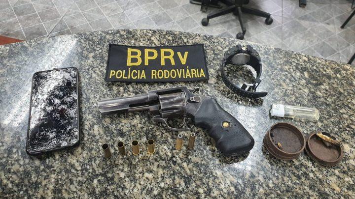 BPRv prende conhecido ladrão de carga com carro roubado, em São Gonçalo