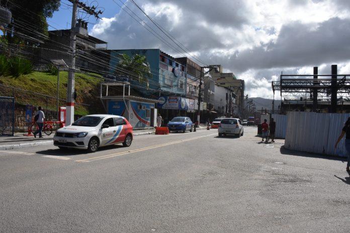 Prefeitura interdita trecho da Avenida Roberto Silveira