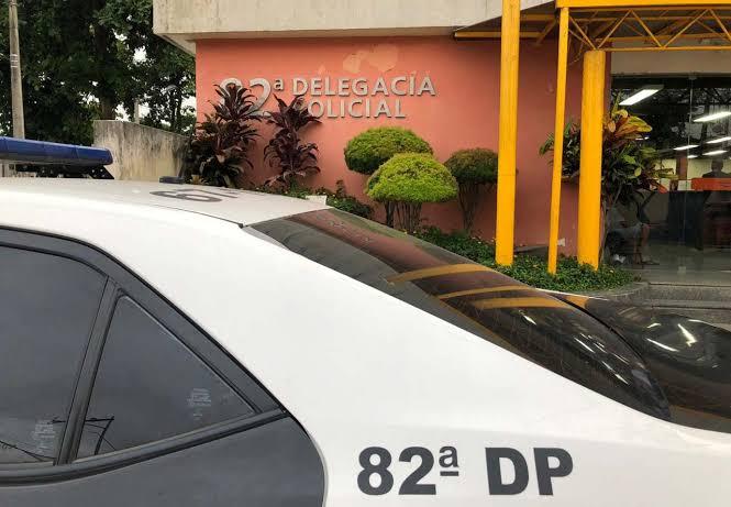 Criminosos assaltaram uma hamburgueria em Maricá